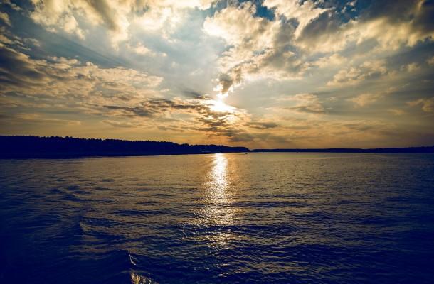 lake-1609615_1920