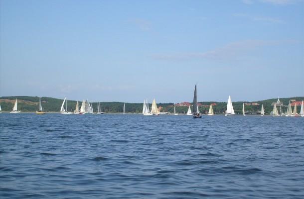 sailing-721876_1920