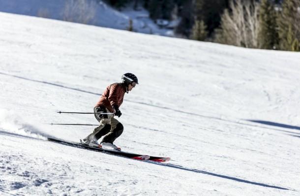 skiing-3728676_1920